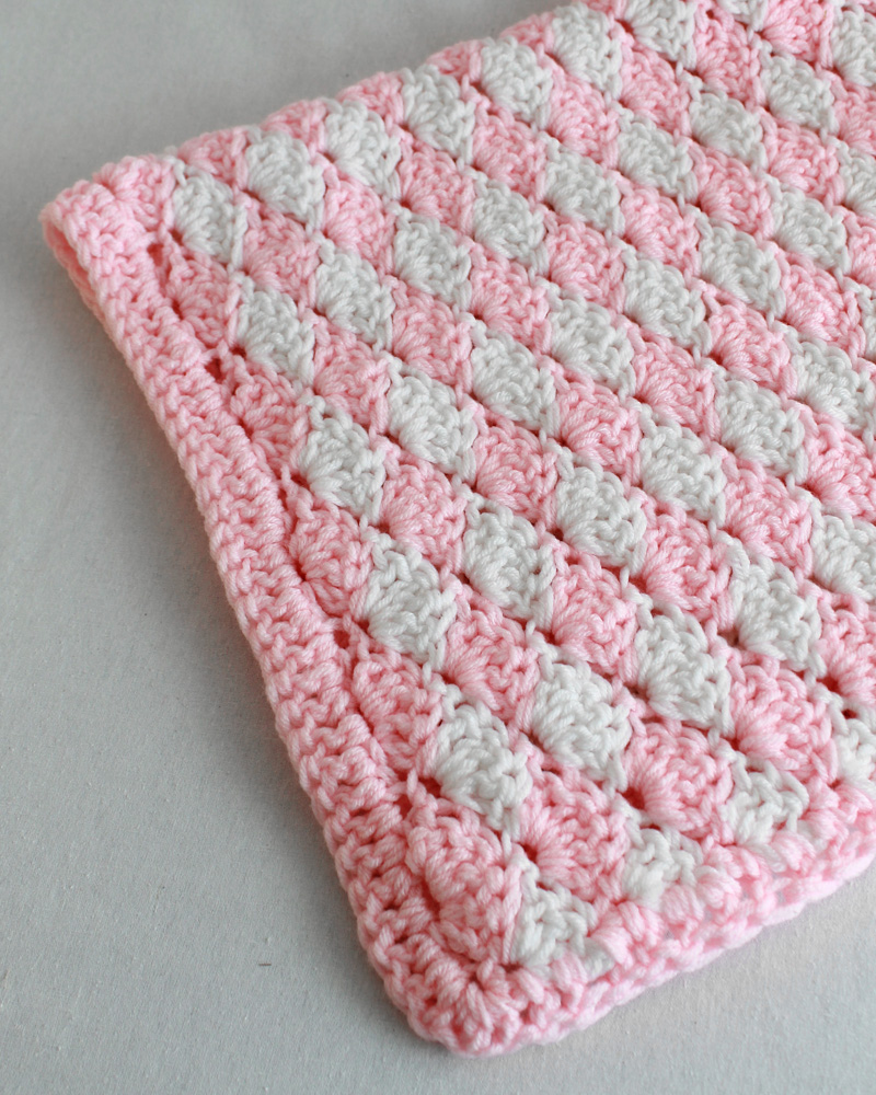 Shell stitch rug. Click image to see pattern details.